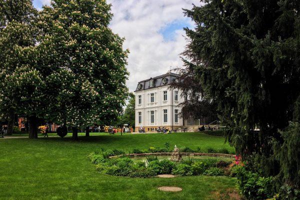 143/366 Villa Vauban